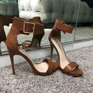 Steve Madden brown/camel high sandals. 7us